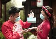 Những cặp đôi phải hoãn cưới lần hai vì Covid-19
