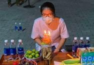 Nữ điều dưỡng bất ngờ được tổ chức sinh nhật trong khu cách ly