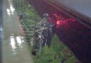 Xe sang Porsche không biển số húc tung lan can, rơi khỏi cầu Sài Gòn