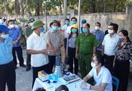 Lực lượng chức năng căng mình tại khu vực phong tỏa dịch COVID-19 ở Quảng Trị