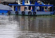 Tàu chở 45 tấn gạo chìm xuống sông