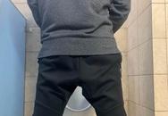 Xem thường cơn đau nhức ở mông, khó tiểu, người đàn ông được chẩn đoán ung thư giai đoạn cuối