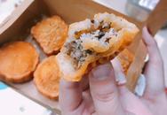 Cháy hàng món lạ: 'Hồn' bánh rán, 'da' bánh nướng trung thu
