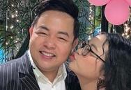Phương Mỹ Chi đón tuổi 17 bên cha nuôi Quang Lê và gia đình