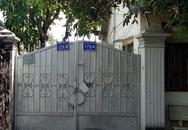 Nhà nguyên Trưởng Ban tuyên giáo thành ủy bị người lạ khóa cổng bất thường