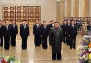 Chủ tịch Kim Jong-un viếng Cung điện Mặt trời