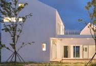 Ngôi nhà màu trắng với cách bố trí các khu vực chức năng khiến ai cũng ngạc nhiên vì quá tiện ích