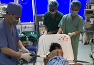 Thanh Hóa: Người đàn ông bị thanh xà beng dài 1 mét đâm xuyên người, may mắn được cứu sống