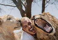 Người đàn ông bỏ công việc lương cao để đến châu Phi sống, chơi đùa với động vật hoang dã