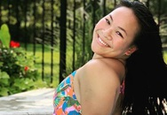 Cô gái gốc Việt mất 2 chân vì nổ bom, thành VĐV bơi lội ở Mỹ