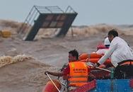 Áp thấp nhiệt đới suy yếu, Trung Bộ mưa lớn