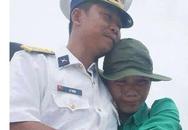 Nhói lòng phút chia ly của người lính biển