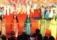 Dàn hoa hậu, người đẹp tỏa sáng ở Hạ Long