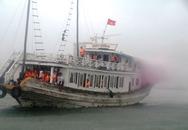 Quảng Ninh: Tàu du lịch bị cháy trên Vịnh Hạ Long