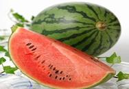 Dễ viêm họng khi ăn dưa hấu lạnh