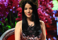 Trương Ngọc Ánh xinh đẹp với áo yếm khăn đóng