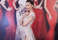 Choáng với váy xẻ quá đà của mỹ nhân Việt