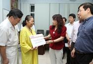 Bộ trưởng Bộ Y tế tặng quà nhân ái đến bệnh nhi tim bẩm sinh, nhiễm HIV