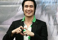 """Khánh Phương gặp tai nạn """"nhạy cảm"""" khi hát"""