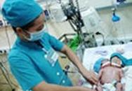 Bé gái 2 đầu vừa chào đời ở Sóc Trăng