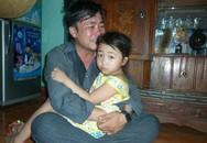 Người thân đau xót đón thi thể các giáo viên tử nạn