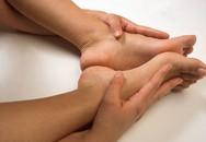 Chân tay tê và nổi gân là dấu hiệu bệnh gì?