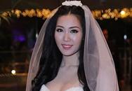 Cô dâu Thuỳ Trang lấp ló ngực đầy