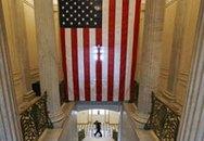 Thượng viện Mỹ thông qua gói cứu trợ 700 tỉ USD