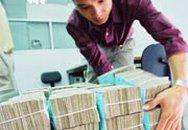 Sinh viên vay tiền đóng học: Ngân hàng đề xuất mức vay 1,2 triệu/tháng