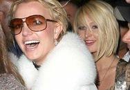 Paris Hilton và Britney Spears làm người Mỹ chán ngán