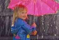 Bảo vệ bé trong mùa mưa