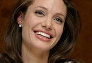 Angelina Jolie và các con về Mỹ