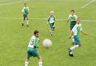 Hướng dẫn trẻ chơi thể thao đúng cách