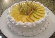 Tự làm bánh gatô hoa quả