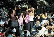 Tạm giữ hơn 1.160 người tại vũ trường New Century