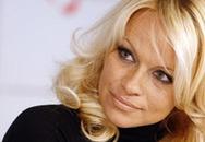 """Quả bom sex"" Pamela Anderson ""xuống sắc"""