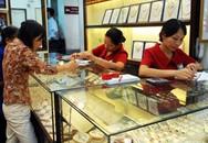 Hà Nội: Giao dịch vàng trầm lắng vì mưa lớn