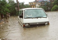 Hà Nội: Phát hiện 2 người chết trong ô tô ngập nước