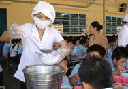 400 học sinh ngộ độc vì ăn bánh bông lan