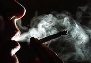 Trẻ ngộ độc vì khói thuốc vương trên đồ đạc, quần áo
