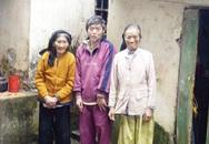 Tuổi 88 nuôi hai con điên dại
