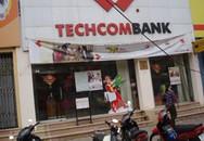 """Vụ nhân viên Techcombank """"cầm nhầm"""" 50 triệu đồng của khách: Nên công khai băng ghi hình"""