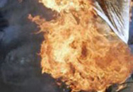 Hải Phòng: Tẩm xăng đốt vợ cũ