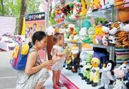 Lựa chọn quà và địa điểm vui chơi cho trẻ dịp lễ