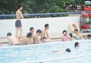 Những trò quấy rối ở bể bơi