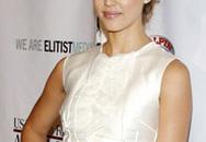 Những mẫu váy trắng sang trọng của Jessica Alba