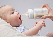 Khi nào nên đổi sữa cho bé?