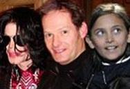 Gia đình giận dữ khi bạn thân của Michael Jackson nhận là cha bọn trẻ