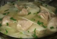 Thực đơn bữa tối: Canh măng tươi nấu sườn