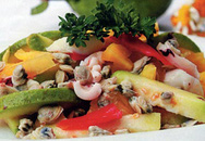 Thực đơn bữa tối: Ổi xanh xào hải sản